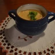 Zupa krem z batatów i selera.