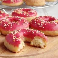 Pączki pieczone z lukrem malinowym (bez wyrabiania)