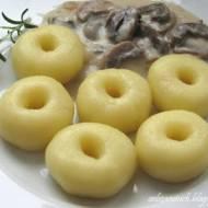 Kluski śląskie z sosem pieczarkowym