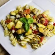 Makaron z warzywami i serem gorgonzola