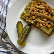 Lasagne z fasolką, kiełbasą i selerem naciowym. Makaron szpinakowy.