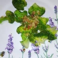 Sałatka w 10 minut -cytryna czosnek brokuły