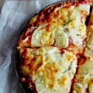 Pizza hawajska, z szynką i ananasem