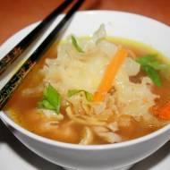 Chińska zupa Funghi ze strzępielem