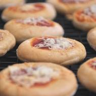 Mini pizze przekąska na przyjęcie