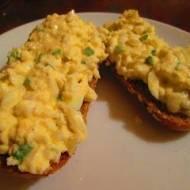 Szybkie śniadanie - dietetyczna pasta jajeczna z serkiem wiejskim (bez laktozy!)