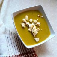 Zupa z dodatkiem jarmużu i czerwonej soczewicy