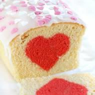 Walentynkowe ciasto z sercem