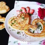 Kokosowe pancakes z truskawkami
