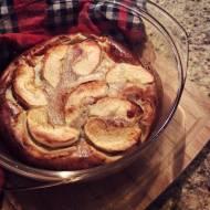 Pieczony naleśnik z jabłkami