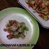 Sałatka z avocado i tuńczykiem