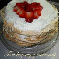 Tort bezowy z owocami wg Aleex