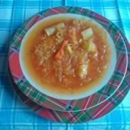 kapuśniak z przecierem pomidorowym wegetariański