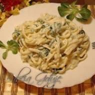 Makaron z Sosem Przygotowanym na Zimno – Bardzo szybki i smaczny obiad