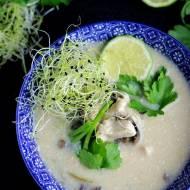 TOM KHA KAI –  tajska zupa kokosowa z kurczakiem