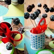 Słodki bufet na patyku: Lniane lizaki owocowe w czekoladowej polewie/ bez pieczenia