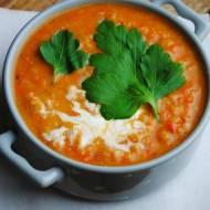 Lekka pomidorowa zupa z soczewicy i marchewki
