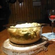 zapiekanka z makaronem brokułami i paprykami wegetariańska