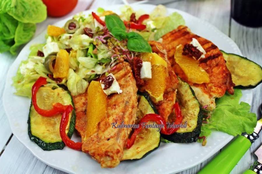 Przepis Na Kurczak Grillowany W Jogurcie Z Salatka Z Fety I