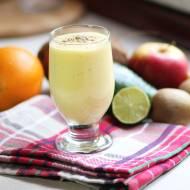 Koktajl z mango, bananem i kardamonem