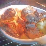 pałki z kurczaka pieczone wraz z ziemniakami w piekarniku