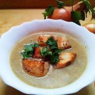 Wegańska zupa pieczarkowa krem