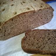 żytni razowiec, czarny chleb