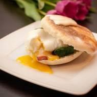Muffiny angielskie z jajkiem po benedyktyńsku