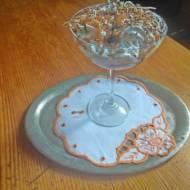 deser w pucharkach z  chałwową