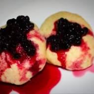 Pampuchy z jagodami