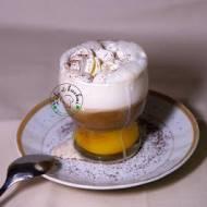 Bombardino z espresso i bitą śmietaną