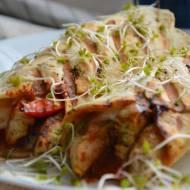 Grillowane tortille z indykiem curry i mozzarellą
