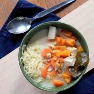 orientalna zupa z mlekiem kokosowym