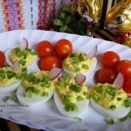Jajka faszerowane po duńsku. Wielkanocne śniadanie.