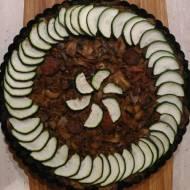 Krucha tarta z mąki konopnej i kokosowej z chorizo i pieczarkami