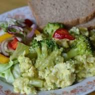 Jajecznica z brokułami