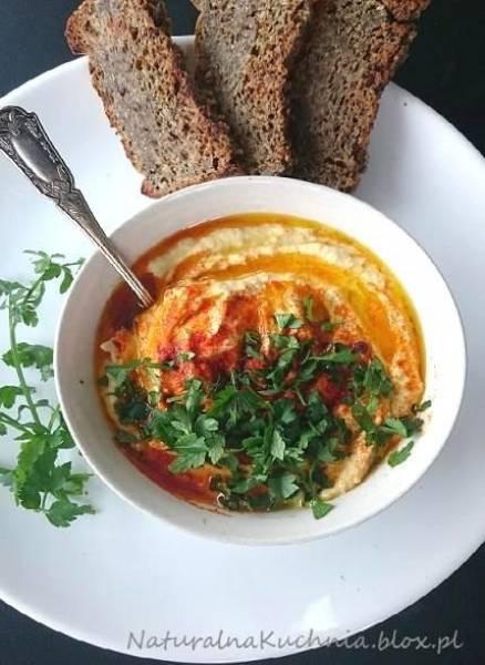 Hummus idealny. Lekki i aromatyczny. Odżywczy i piekielnie zdrowy. Wegański.