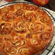 Jabłkowo - migdałowa tarta z różą