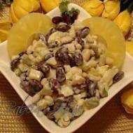 Sałatka z Fasolą i Ananasem