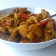 Kurczak z warzywami w sosie curry