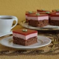 Ciasto truskawkowe z serkiem i galaretką