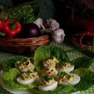 Dietetyczne jajka faszerowane kurczakiem