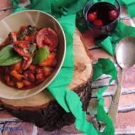 Hiszpańska potrawka z choizo i szpinaku z dynią