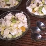 Sałatka owocowa z miodem i chrupkami ryżowymi