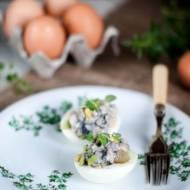 Jajka faszerowane śledziami w occie