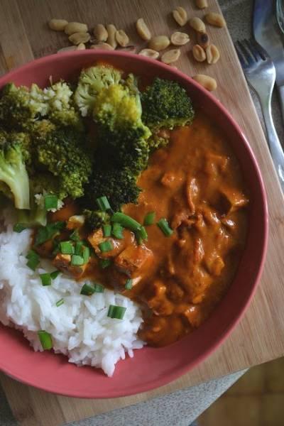 Tofu w orzechowo-dyniowym sosie.