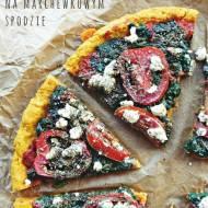 Pizza na marchewkowym spodzie (bez drożdży, bez glutenu)