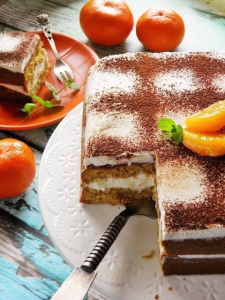 Tort mandarynkowy z masą śmietanową