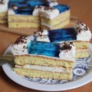 Ciasto biszkoptowe z bitą śmietaną i galaretką