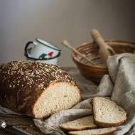 Pełnoziarnisty chleb z miodem i płatkami owsianymi
